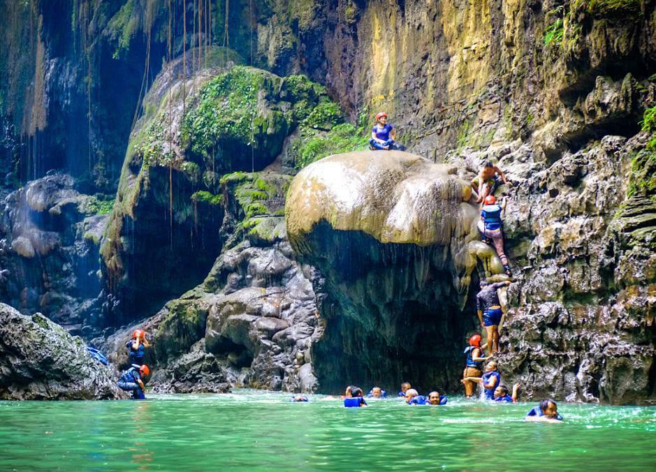 Objek Wisata Pangandaran Selain Pantai Pangandaran, Green Canyon dan GuaKeramat.